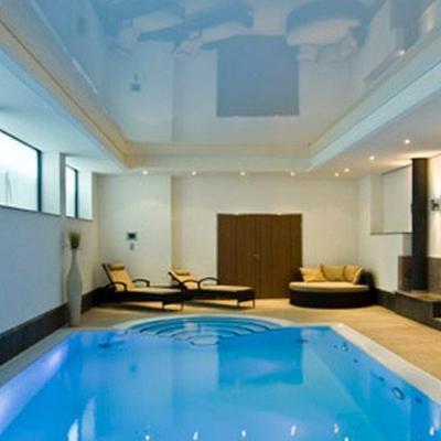 Spanndecke hochglanz weiß Schwimmbad